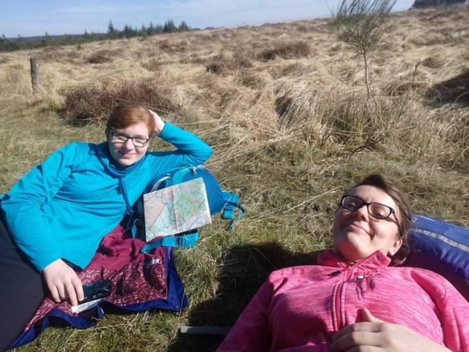 odpoczynek-na-trawie
